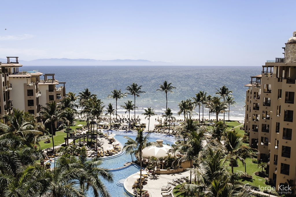 A beautiful NUevo Vallarta Mexico hotel is home to a destination wedding group.